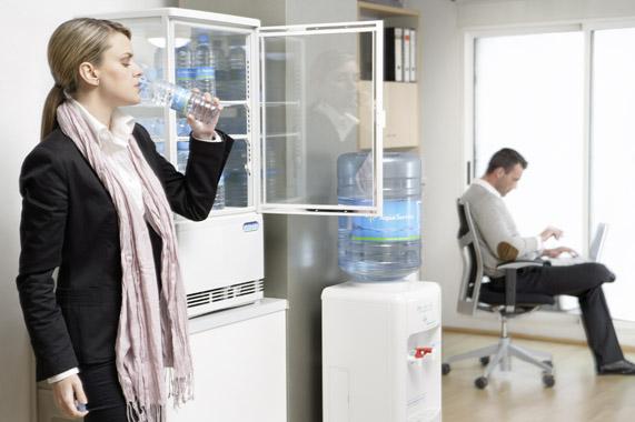 Dispensador agua todo sobre los dispensdores de agua for Dispensador agua oficina
